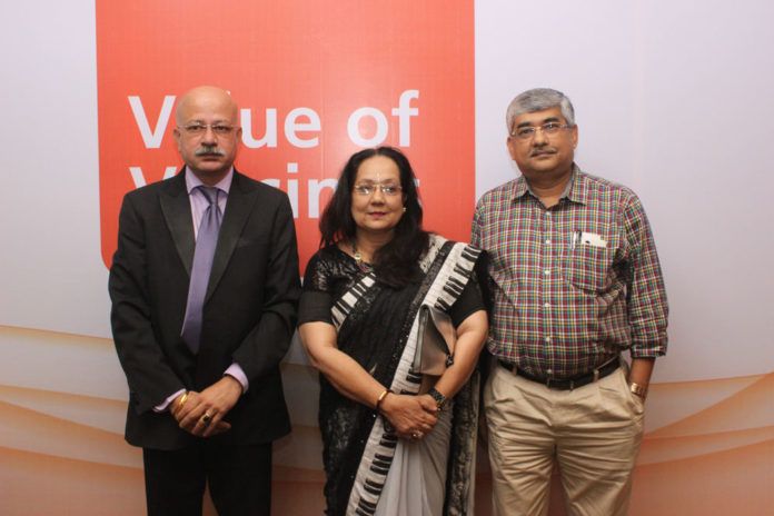 Dr. Shafi Kolhapure, VP-Medical Affairs, GSK Biologicals India, Dr. Gouri Kumra,Consulting Gynecologist and Dr. Subhasis Roy, Consulting Pediatrician at World Vaccination Day seminar.