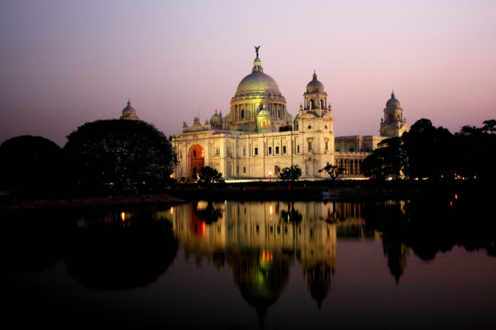 Victoria Memorial - Kolkata Photo By Suman Munshi