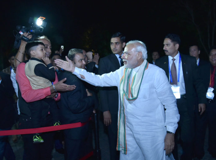 The Prime Minister, Shri Narendra Modi being given a warm welcome, on his arrival at Hotel Sheraton Wetland, in Hangzhou, China on September 03, 2016.