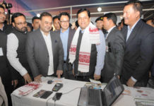 The Chief Minister of Assam, Shri Sarbananda Sonowal and the Minister of State for Home Affairs, Shri Kiren Rijiju visiting the DigiDhan Mela, in Guwahati on January 11, 2017.