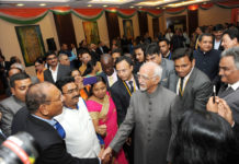 The Vice President, Shri M. Hamid Ansari with the Indian community, in Kampala, Uganda on February 23, 2017.