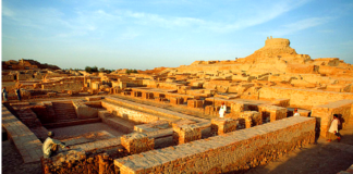 Great Bath - Mysteries of Mohenjo-Daro an Era forgotten past