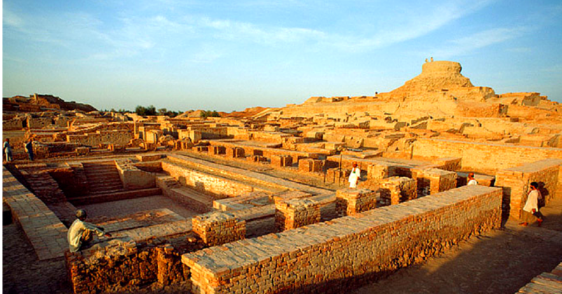 the excavations at harappa and mohenjo daro Further excavations at mohenjo-daro 589, the system of weights revealed by 157 specimens found at mohenjo-daro and harappa before 1927 was discussed.