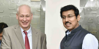 The Vice Minister of Telecom and Mass Communications of the Russian Federation, Mr. Alexey Volin meeting the Minister of State for Information & Broadcasting, Col. Rajyavardhan Singh Rathore, in New Delhi on April 03, 2017.