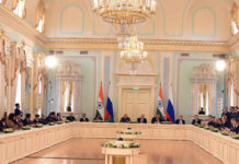The Prime Minister, Shri Narendra Modi and the President of Russian Federation, Mr. Vladimir Putin, at India-Russia CEO's meeting, at Konstantin Palace, in St. Petersburg, Russia on June 01, 2017.