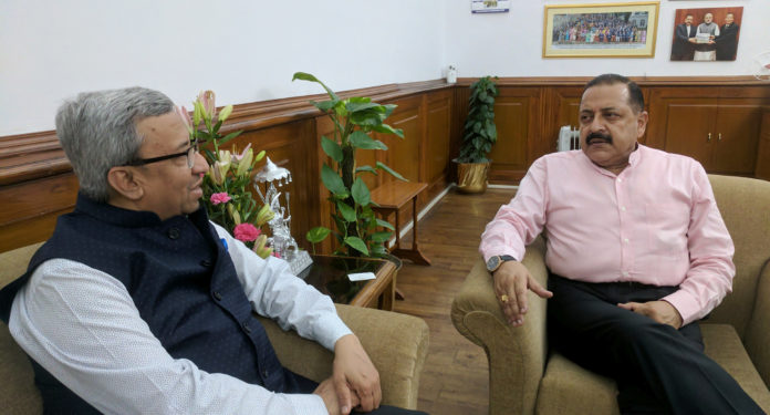 The President of Federation of Indian Chambers of Commerce and Industry (FICCI), Shri Pankaj R. Patel calling on the Minister of State for Development of North Eastern Region (I/C), Prime Minister's Office, Personnel, Public Grievances & Pensions, Atomic Energy and Space, Dr. Jitendra Singh, in New Delhi on June 23, 2017.