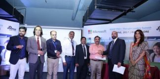 Indian Schools going Digital with EfeeOnline and Microsoft (PRNewsfoto/EfeeOnline)