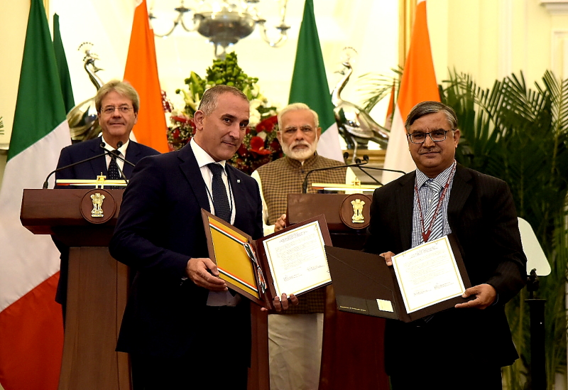 The Prime Minister, Shri Narendra Modi and the Prime Minister of the Republic of Italy, Mr. Paolo Gentiloni witnessing the Exchange of Agreements between India & Italy, at Hyderabad House, in New Delhi on October 30, 2017.