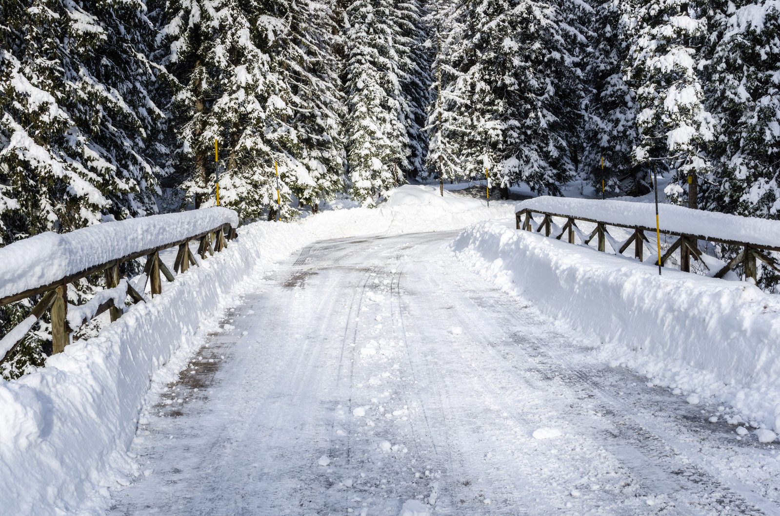 This winter season, Erie Insurance offers helpful tips on what to do if you have a run in with black ice. (PRNewsfoto/Erie Insurance)