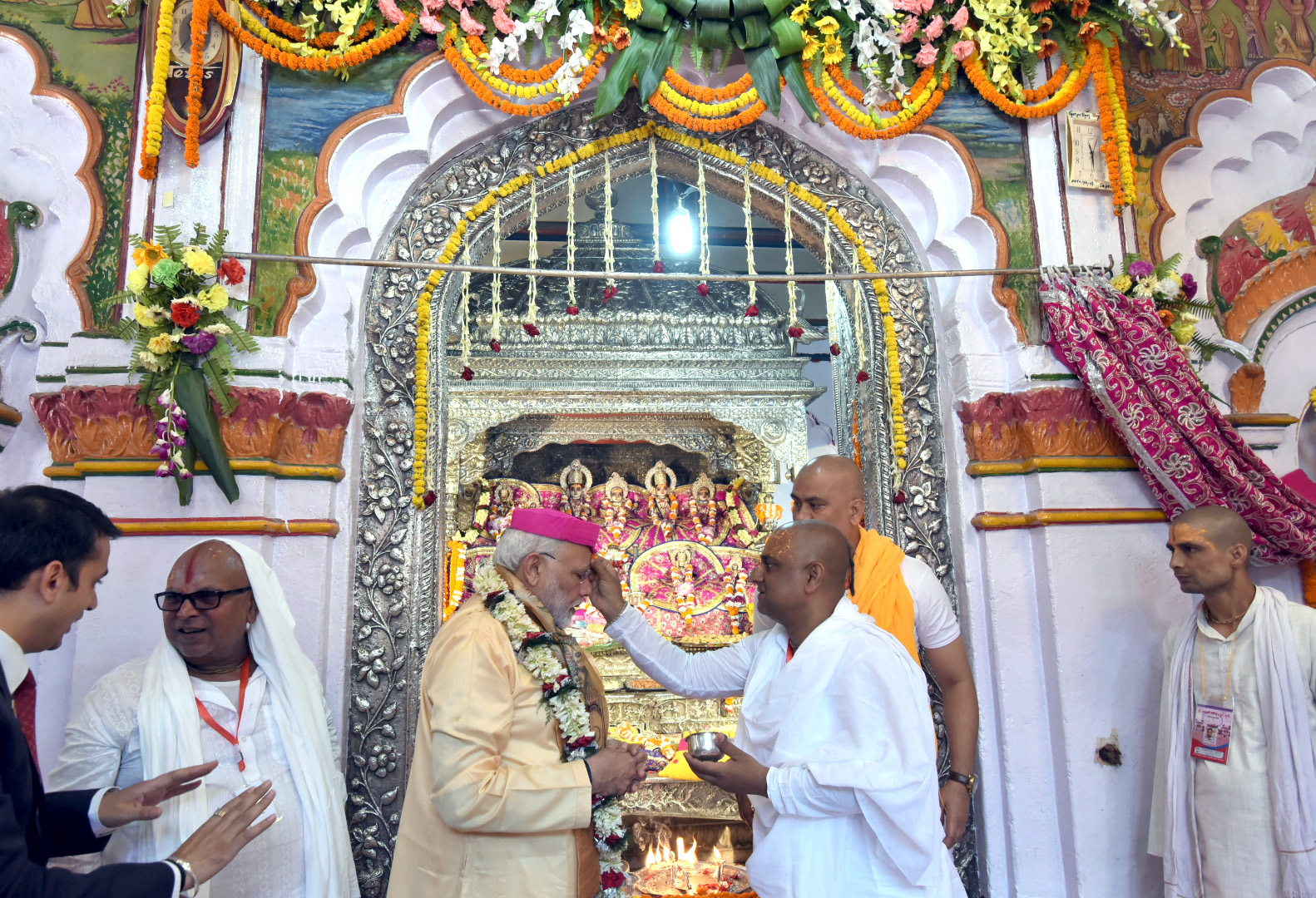 The Prime Minister, Shri Narendra Modi offering prayers at Janaki Mandir, in Janakpur, Nepal on May 11, 2018.