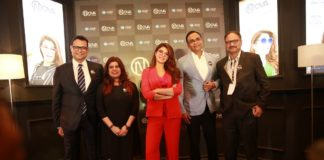 (L-R) Mr. Lalit Kumar Gupta, CBO, Vision Rx Lab, Ms. Pammi Jamalpuria, GM - Corporate Marketing, Jacqueline Fernandez, Mr. Sanjiv Kumar Gupta, CEO, Mr. Saibal Majumdar, COO, Domestic Market
