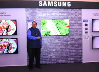 Mr. Raju Pullan Senior Vice President Consumer Electronics Business Samsung India