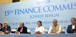 The Chairman of the 15th Finance Commission, Shri N.K. Singh along with the Chief Minister of West Bengal, Ms. Mamata Banerjee and other dignitaries addressing press conference, at Nabanna, in Kolkata on July 17, 2018.