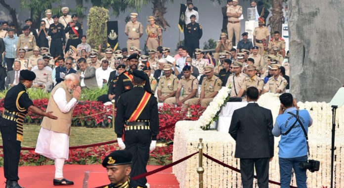 The Prime Minister, Shri Narendra Modi paying homage at the National Police Memorial, on the occasion of the Police Commemoration Day, at Chanakyapuri, New Delhi on October 21, 2018.
