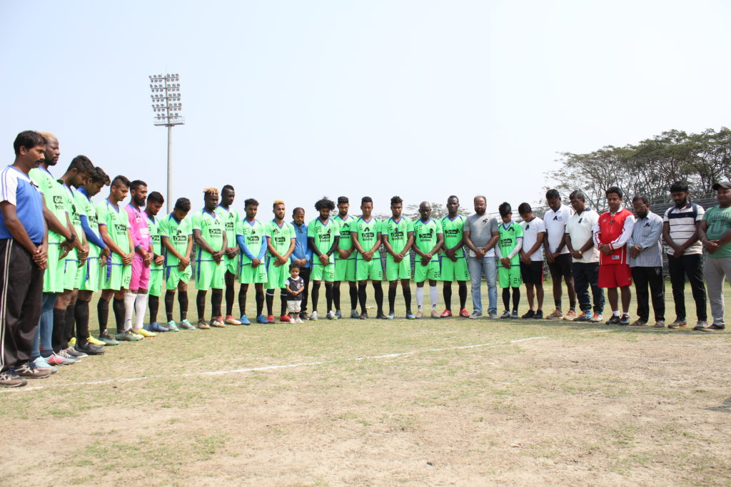 Mohammedan Sporting Club players and staff paid tribute to the Pulwama bravehearts, who were martyred in a cowardly terrorist attack on Thursday