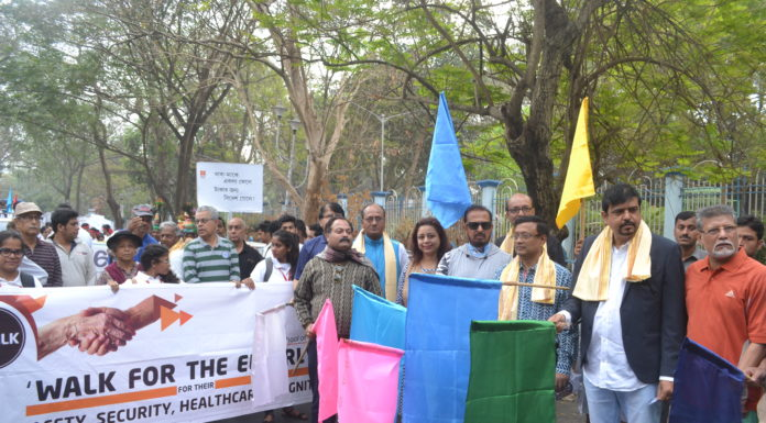 Sri. Sujit Bose, Minister of State for Fire & Emergency Services, Govt. of West Bengal, Sri Dibyendu Barua & wife Saheli Barua chess grandmasters at the flag off ceremony of NSHM'S Y-WALK - Walk for the elderly
