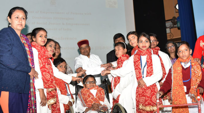 """The Union Minister for Social Justice and Empowerment, Shri Thaawar Chand Gehlot at the inauguration of the """"National Conference on Deendayal Disabled Rehabilitation Schemes (DDRS)"""", organised by the Department of Empowerment of Persons with Disabilities (Divyangjan) under M/o Social Justice & Empowerment, in New Delhi on March 01, 2019."""