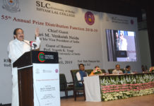 The Vice President, Shri M. Venkaiah Naidu addressing the gathering, at the 55th Annual Prize Distribution Function of Shyam Lal College, in Delhi on April 29, 2019.