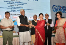 The Union Minister for Jal Shakti, Shri Gajendra Singh Shekhawat presenting the awards, at the National Mission for Clean Ganga function, organized by the Ministry of Jal Shakti, in New Delhi on June 05, 2019. The Minister of State for Jal Shakti and Social Justice & Empowerment, Shri Rattan Lal Kataria, the Secretary, Ministry of Jal Shakti, Shri U.P. Singh and other dignitaries are also seen.