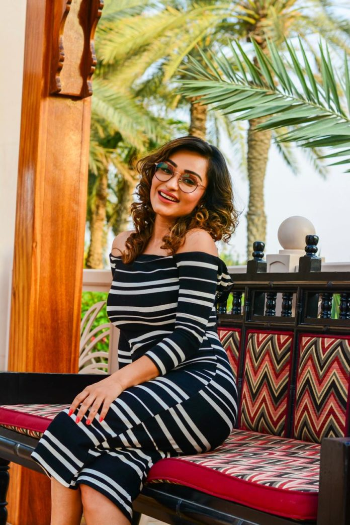 Poised to perfection: Multitalented Aarya Vora tops it all
