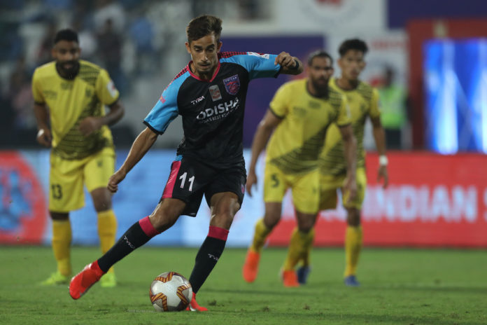 Martin Guedes of Odisha FC kick for goal during match 36 of the Indian Super League ( ISL ) between Odisha FC and Hyderabad FC held at the Shree Shiv Chhatrapati Sports Complex Stadium, Pune, India on the 11th December 2019. Photo by: Arjun Singh / SPORTZPICS for ISL