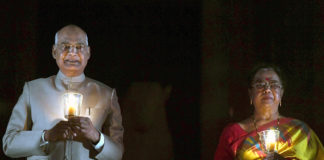 The President, Shri Ram Nath Kovind and the first lady Smt. Savita Kovind lighting candles on 9 PM at Rashtrapati Bhavan to express solidarity in fight against COVID-19 pandemic, in New Delhi on April 05, 2020.