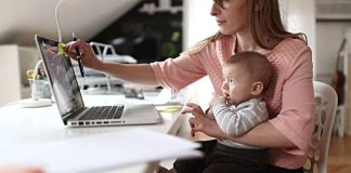Flickr Mom working from home- Credit to https://www.lyncconf.com/. | Flickr
