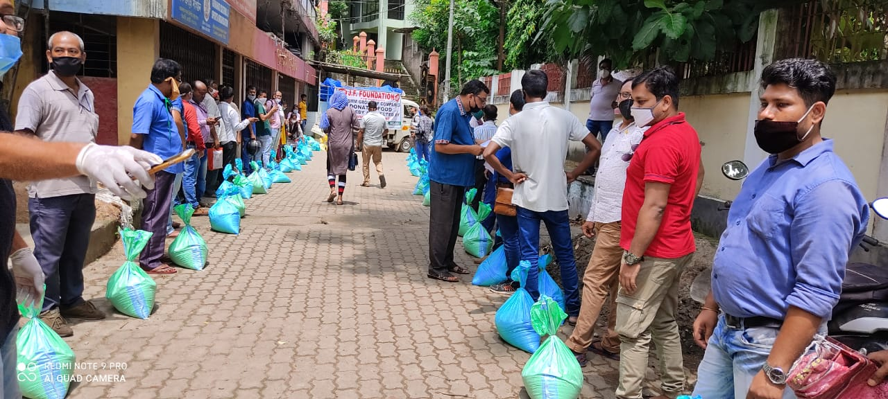 City based 200 media persons get relief packages