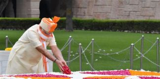 The Prime Minister, Shri Narendra Modi paying floral tributes at the Samadhi of Mahatma Gandhi, at Rajghat, on the occasion of 74th Independence Day, in Delhi on August 15, 2020.