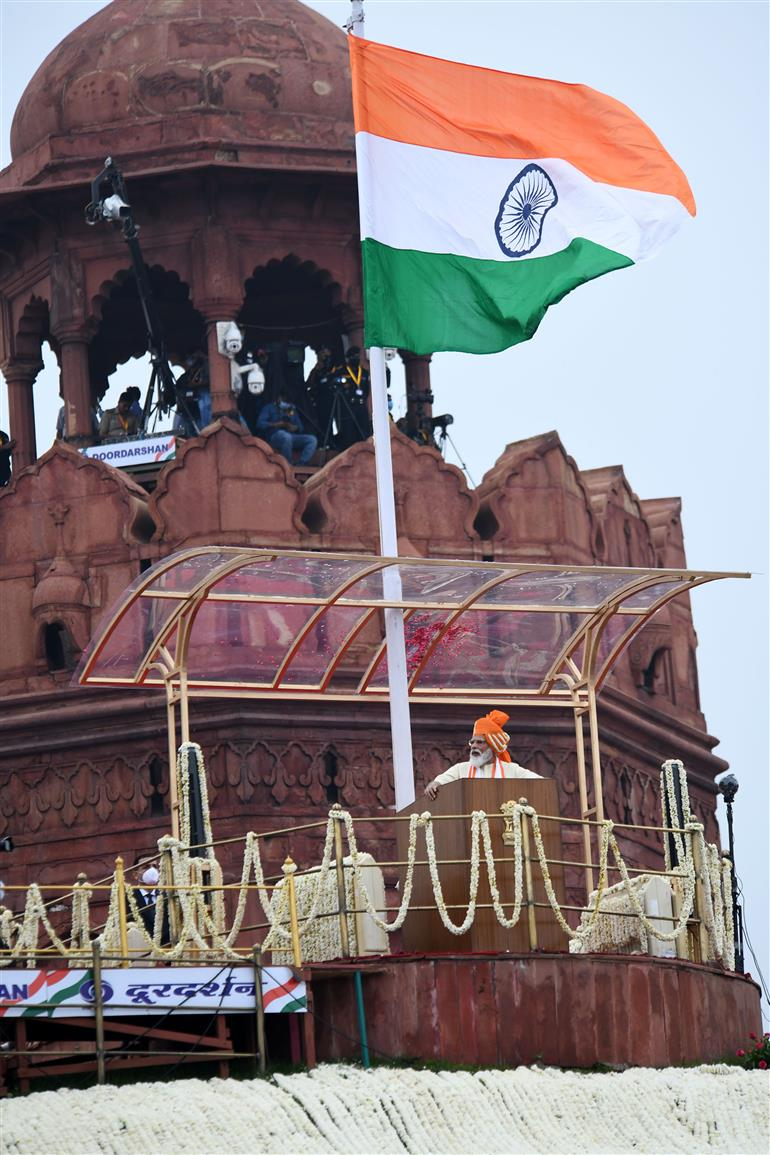 The Prime Minister, Shri Narendra Modi after addressing the Nation on the occasion of 74th Independence Day from the ramparts of Red Fort, in Delhi on August 15, 2020.