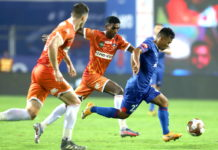 Suresh Wangjam of Bengaluru FC and Lenny Rodrigues of FC Goa in action during match 3 of the 7th season of the Hero Indian Super League between FC Goa and Bengaluru FC held at the Fatorda Stadium, Goa, India on the 22nd November 2020 Photo by Faheem Hussain / Sportzpics for ISL