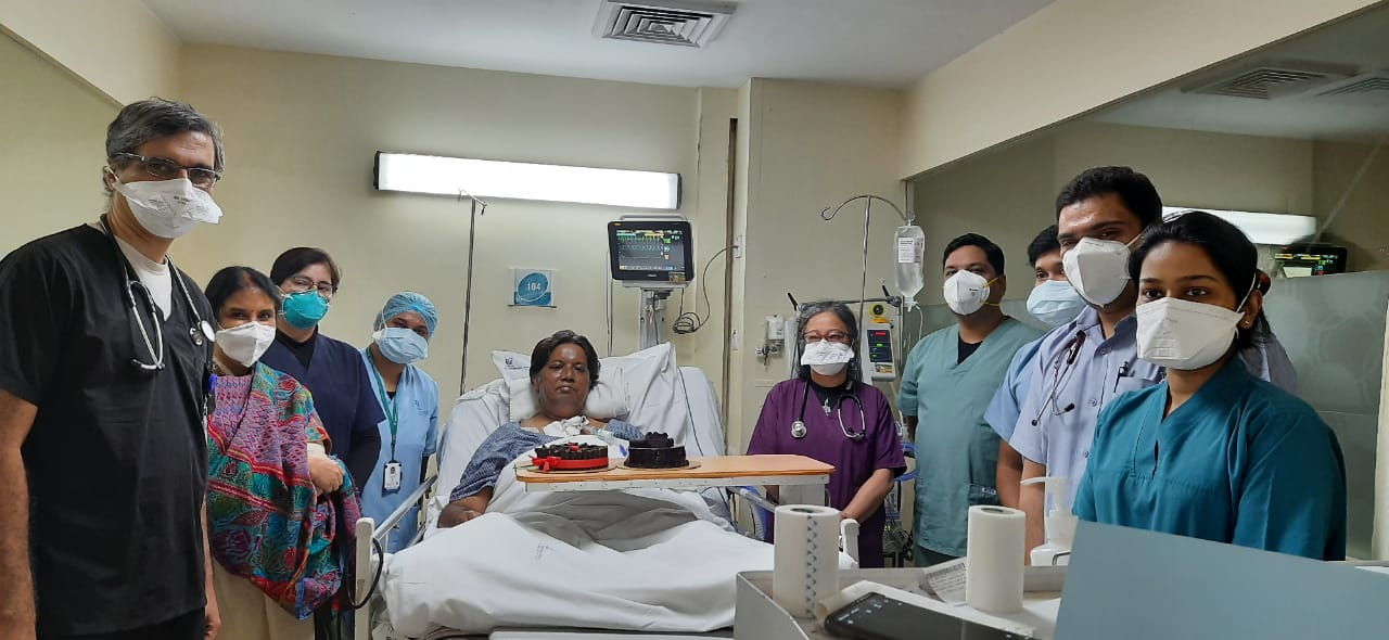 Pradeep Chowdhury with doctor and nurses in Apollo