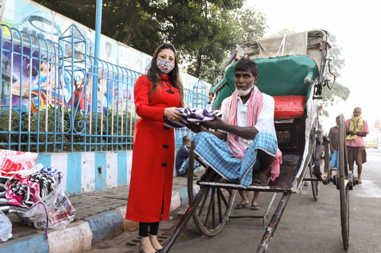 A homage to Hand rickshaw pullers by debutant actress Sangita Sinha
