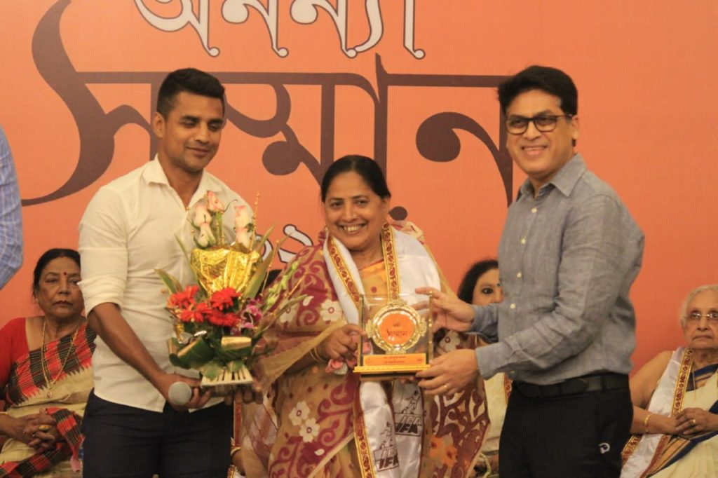 IFA felicitated the wives and mothers of several sports icons of West Bengal,