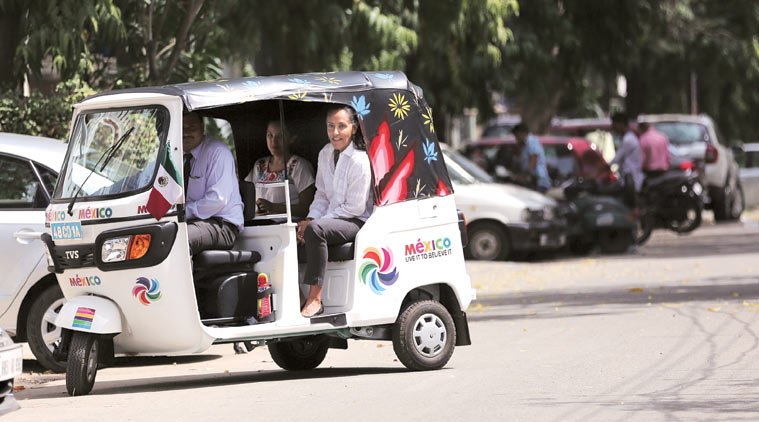 An Ambassador In An Autorickshaw – A Lesson for All Leaders of India