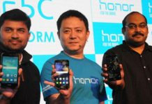 Allen Wang, Consumer Business Group, Huawei India, flanked by P Sanjeev (left), Director Sales (Devices Business), and Vignesh Ramakrishnana, Director Mobile – Flipkart, at the launch of the Honor 5C mobile, in New Delhi.