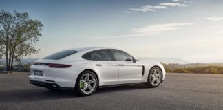 Porsche Cars Canada-New hybrid model of the Panamera unveiled