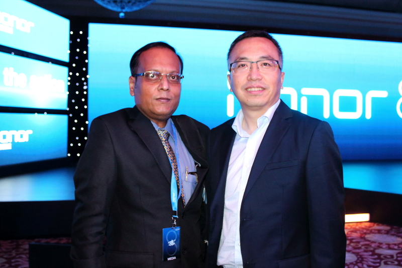Left To Right Suman Munshi Chief Editor IBG NEWS & George Zhao, President of Honor at Honor 8 Launch