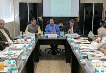 The Minister of State for Development of North Eastern Region (I/C), Prime Minister's Office, Personnel, Public Grievances & Pensions, Atomic Energy and Space, Dr. Jitendra Singh interacting with the members of Indian Merchants' Chamber (IMC), in Mumbai on December 18, 2016.