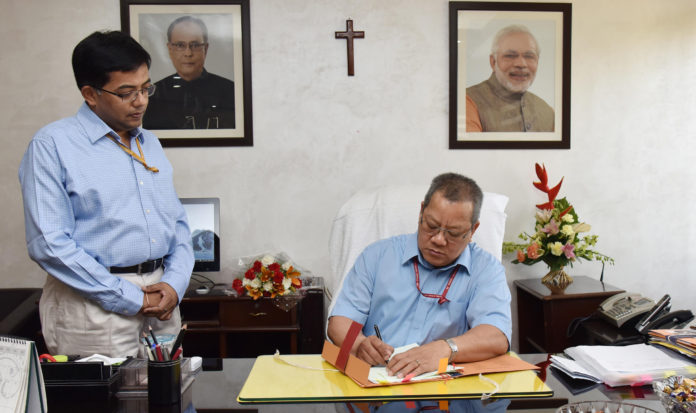 Shri Anthony Lianzuala takes over as the New Controller General of Accounts (CGA), Department of Expenditure, Ministry of Finance, in Delhi on May 01, 2017.
