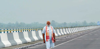 The Prime Minister, Shri Narendra Modi at the Dhola Sadia Bridge, across River Brahmaputra, in Assam on May 26, 2017.