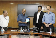 The Chairman, NHAI, Shri Deepak Kumar launching the Project Monitoring Information System (PMIS) Mobile App, in New Delhi on October 03, 2017.