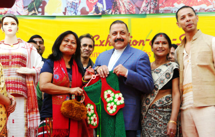 """The Minister of State for Development of North Eastern Region (I/C), Prime Minister's Office, Personnel, Public Grievances & Pensions, Atomic Energy and Space, Dr. Jitendra Singh visiting the various stalls after inaugurating the two-week """"Northeast handicraft-cum-handloom Exhibition cum Sale"""", in New Delhi on December 03, 2017."""