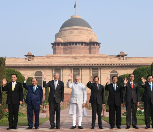 The Prime Minister, Shri Narendra Modi in a group photograph with the ASEAN Heads of State/Governments, at Rashtrapati Bhavan, in New Delhi on January 25, 2018.