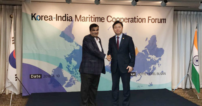 The Union Minister for Road Transport & Highways, Shipping and Water Resources, River Development & Ganga Rejuvenation, Shri Nitin Gadkari and the Minister of Oceans & Fisheries, Republic of Korea, Mr. Kim, Young-Choon at the Korea Maritime Cooperation Forum, in Busan, Korea on April 10, 2018.