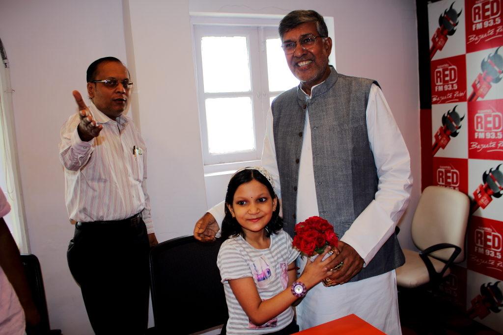 Kailash Satyarthi Nobel Peace Prize Winner introduced to IBG NEWS Team by Suman Munshi