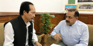 The Mizoram Chakma Autonomous District Council Chief, Shri Shanti Jiban Chakma calling on the Minister of State for Development of North Eastern Region (I/C), Prime Minister's Office, Personnel, Public Grievances & Pensions, Atomic Energy and Space, Dr. Jitendra Singh, in New Delhi on June 18, 2018.