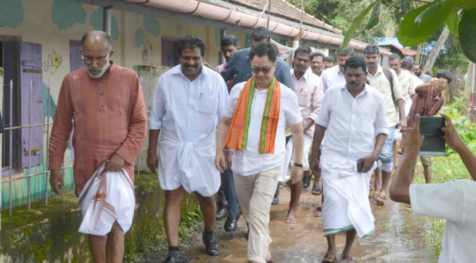 The Minister of State for Home Affairs, Shri Kiren Rijiju and the Minister of State for Tourism (I/C), Shri Alphons Kannanthanam visiting a flood relief camp, at Aryad, in Alappuzha district, Kerala on July 21, 2018.