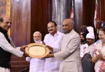 The President, Shri Ram Nath Kovind presenting the Outstanding Parliamentarian Award for the year 2016 Shri Dinesh Trivedi, at a function, at Parliament House, in New Delhi on August 01, 2018. The Vice President, Shri M. Venkaiah Naidu, the Speaker, Lok Sabha, Smt. Sumitra Mahajan and the Prime Minister, Shri Narendra Modi are also seen.