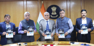 The Chief Election Commissioner, Shri O.P. Rawat launching the new Election Commission of India website, in New Delhi on November 12, 2018. The Election Commissioners, Shri Sunil Arora and Shri Ashok Lavasa and other dignitaries are also seen.
